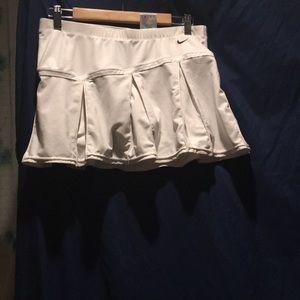 Nike size m skirt